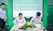 Mr.Nguyen Quang Huan, President of Halcom VN and Mr.Phi Phong Ha, Chairman of IPC Group signed the EPC contract