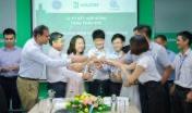 Ban lãnh đạo và CBNV Halcom VN, GE VN và IPC Group chúc mừng lễ ký kết hợp đồng thành công tốt đẹp.